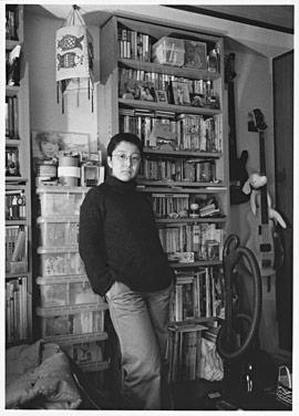 Chibikko with books